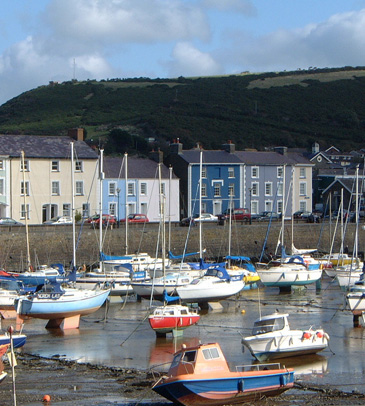 Cardigan Bay Accommodation, Group Accommodation Wales