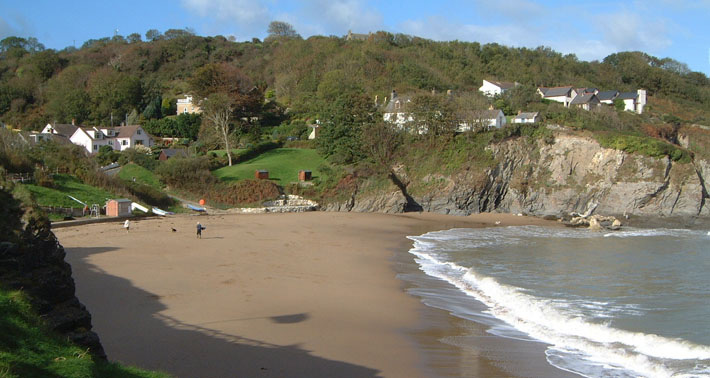 Aberporth-has-a-lovely-sandy-beach.jpg